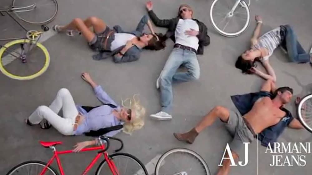 Armani Jeans se met aussi à la mode fixie