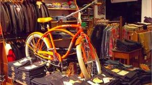 Dockers et Johnny Loco, ça donne un très beau vélo du mois de juin
