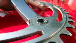 Transformer un double plateau en plateau de singlespeed ou fixie