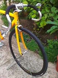 Le fixie ou pignon fixe Gitane City Link jaune