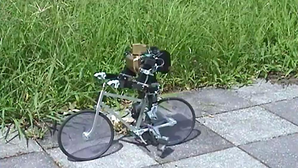 Avez vous déjà vu un robot faire du vélo ?
