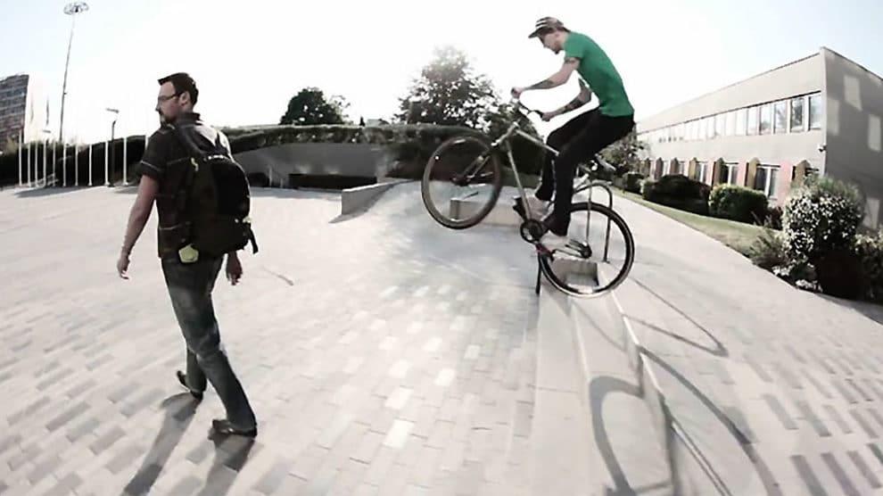"Vidéo ""Spring's spins"" par Oa'Pignon fixed wear"