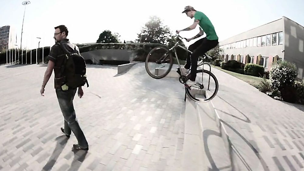 "Vidéo ""Spring's spins"" par Oa'Pignon fixed wear"