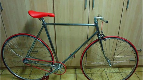 Fixie belge chrome et rouge de Xavier