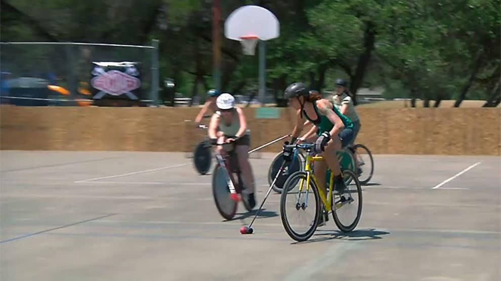 Bike polo + Ladies + Vidéo = Fun