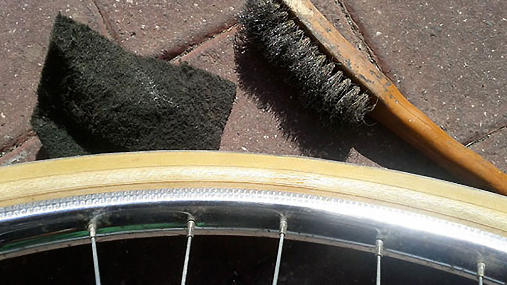 Comment enlever de la rouille sur des jantes de vélo ?