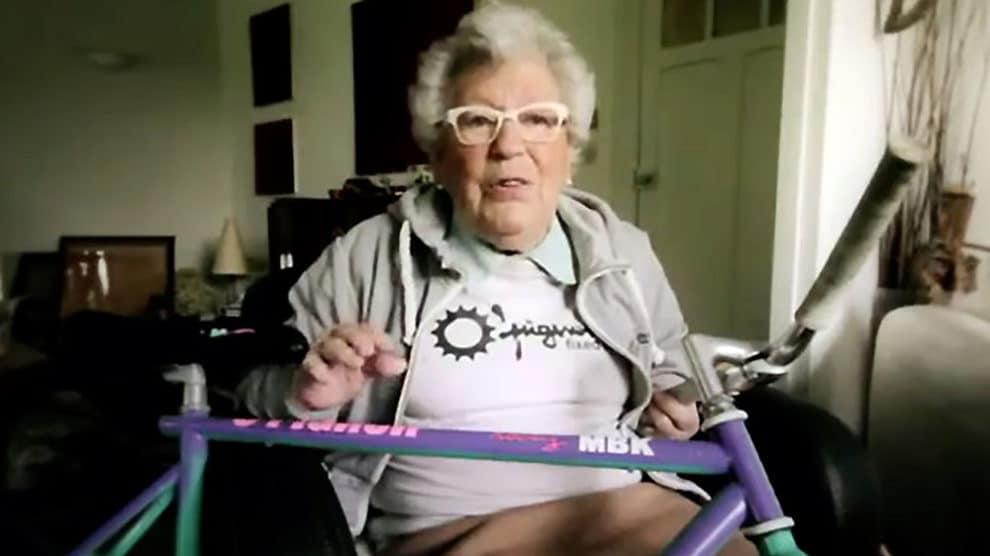 Mamy Andree fait du fixie et du BMX !