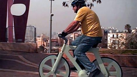 Izhar Cardboard Bike ou le fixie en carton à 10$