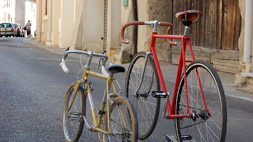 Poltom, rénovation de vélos transformés en fixies