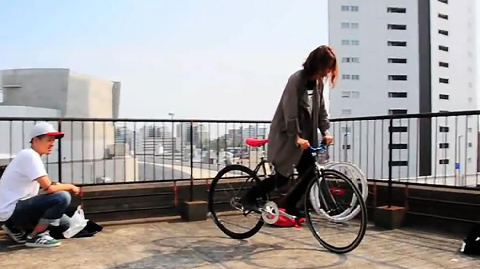 Fixed gear bike is fun, but ... from Japan