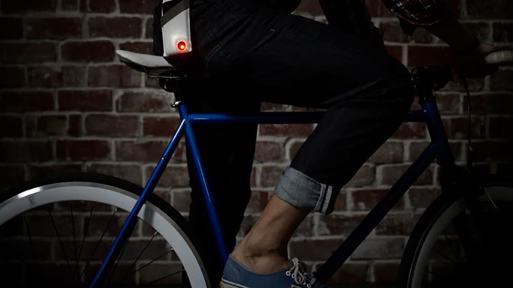 Monocle transforme votre iPhone en phare arrière de vélo !