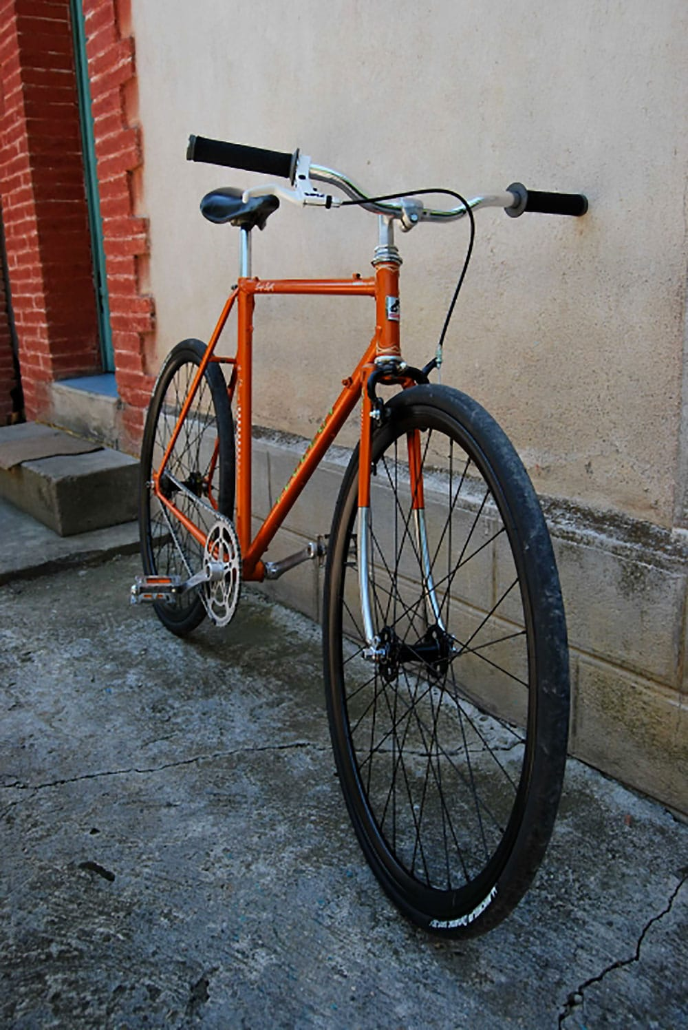 Encore un vélo Peugeot sauvé d'une poubelle !