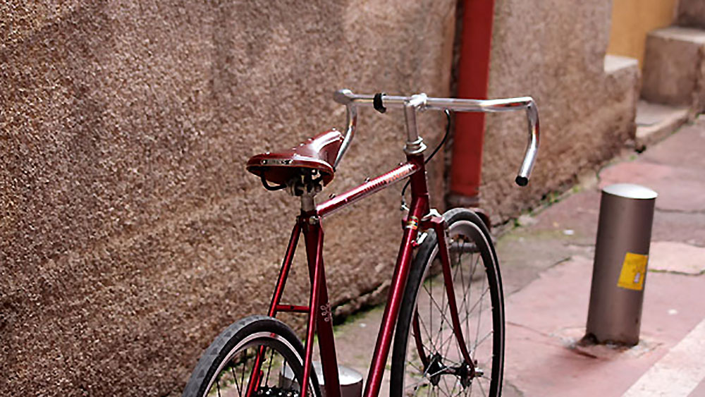 Modification d'un Peugeot P8 de 1982