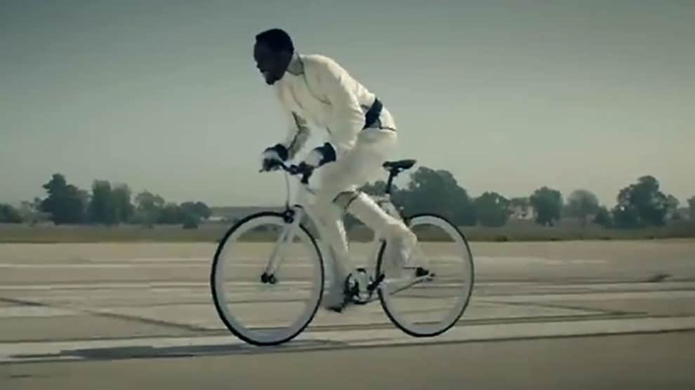 Will I Am fait du single dans un de ses clips !