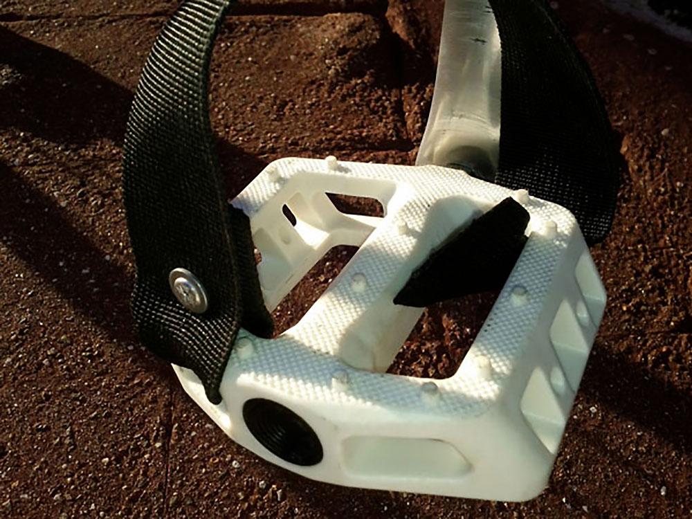 Fabriquer ses propres straps ou cale-pieds de fixie
