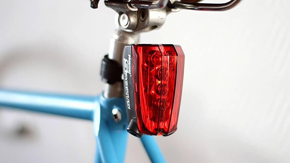 Lampe Vélo Led avec Laser, la sécurité de nuit !