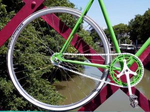 Randoneuse Peugeot devenue un fixie vert grenouille !