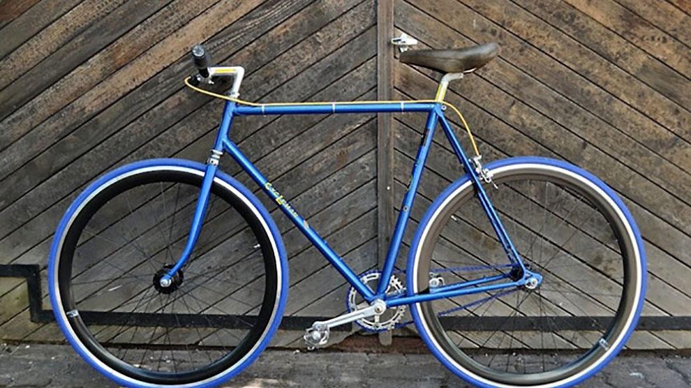 Vieux vélo de course CycLeman devenu fixie