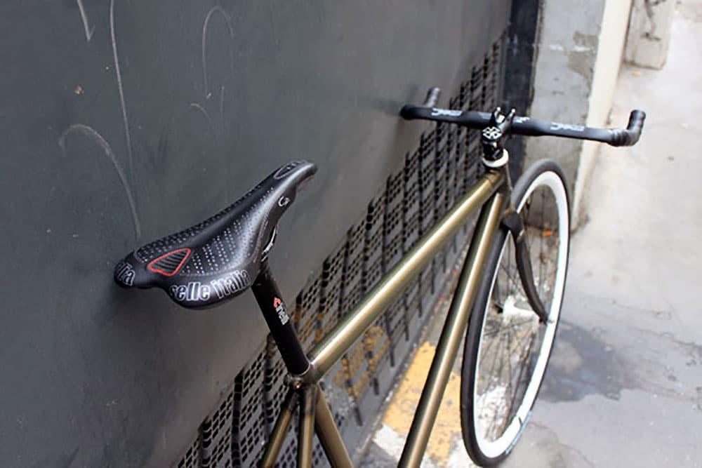 Vélo urbain fixie pignon fixe Black Market Bikes de Simon