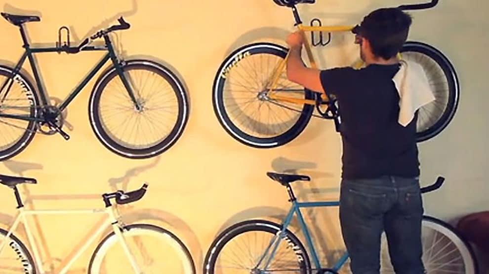 Vidéo Building A Bicycle Cambridge England de Mark Langley