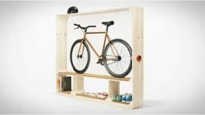 Shoes books and bike, étagère de vélos !