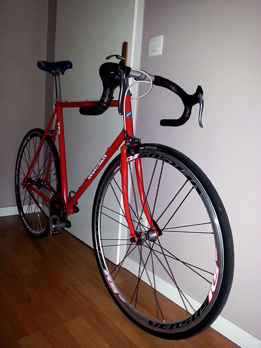 Vélo fixie Décathlon Vitace 750 rouge vif