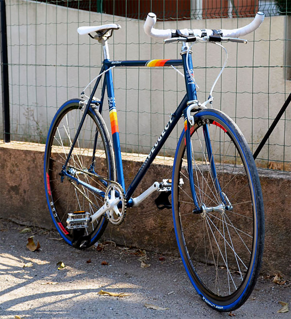 Single speed Peugeot Mont Blanc bleu