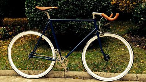 Vélo pignon fixe Motobécane sauvé des poubelles