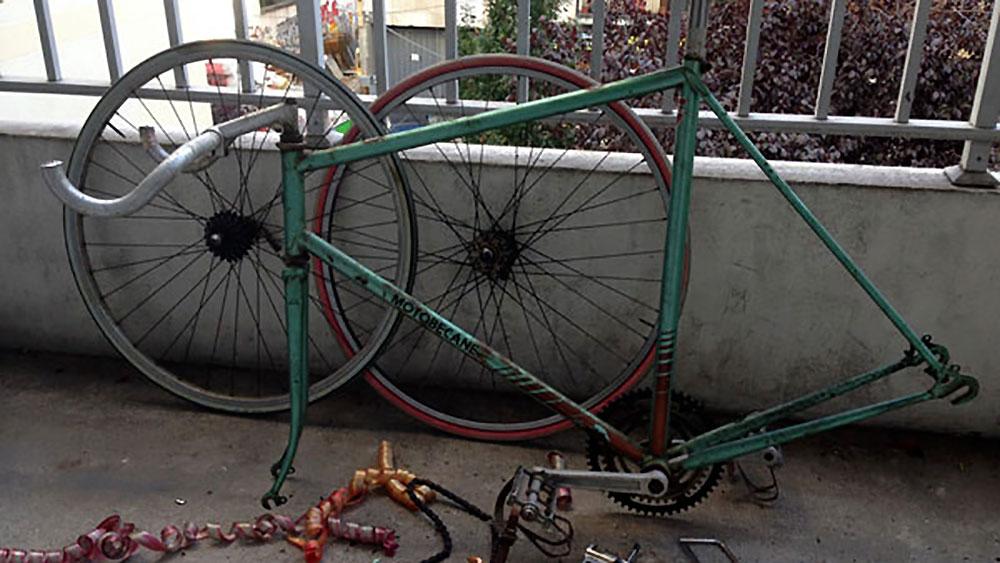 Vélo pignon fixe Motobécane sauvé des poubellesv
