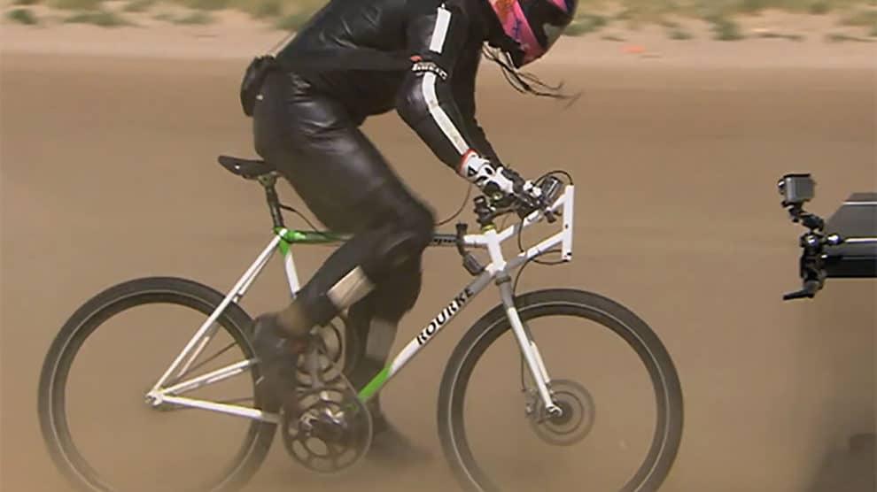 Le défi fou de Guy Martin, 177km/h en vélo !