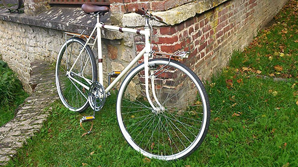 Vélo singlespeed Motobécane rétro bois et cuir