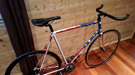 Vélo fixie pignon fixe aux couleurs des Etats unis !