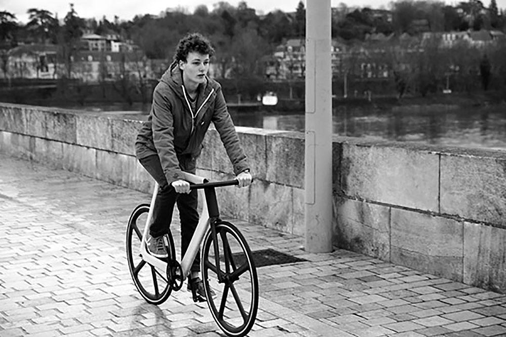 Exclusivité, un vélo fixie presque entièrement en bois Keim Edition