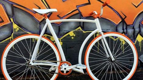 Vélo fixie incroyable avec un cadre fait maison par un internaute !