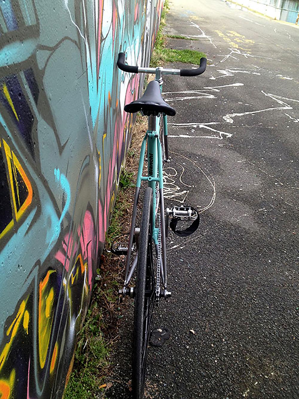 """Un vélo fixie de marque Lejeune """"bianchisé"""" par un internaute"""