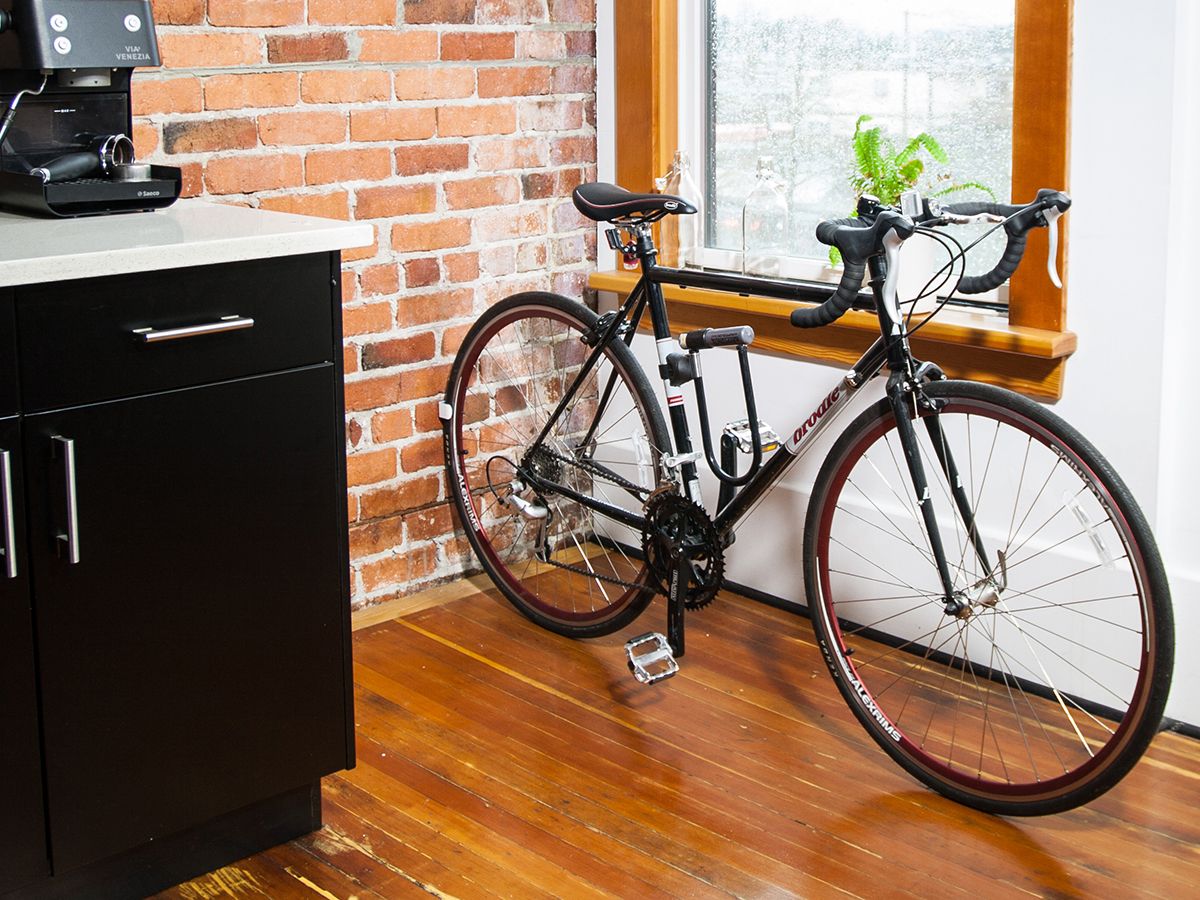 le clug l 39 accessoire pour fixer votre v lo partout fixie singlespeed infos v lo fixie. Black Bedroom Furniture Sets. Home Design Ideas