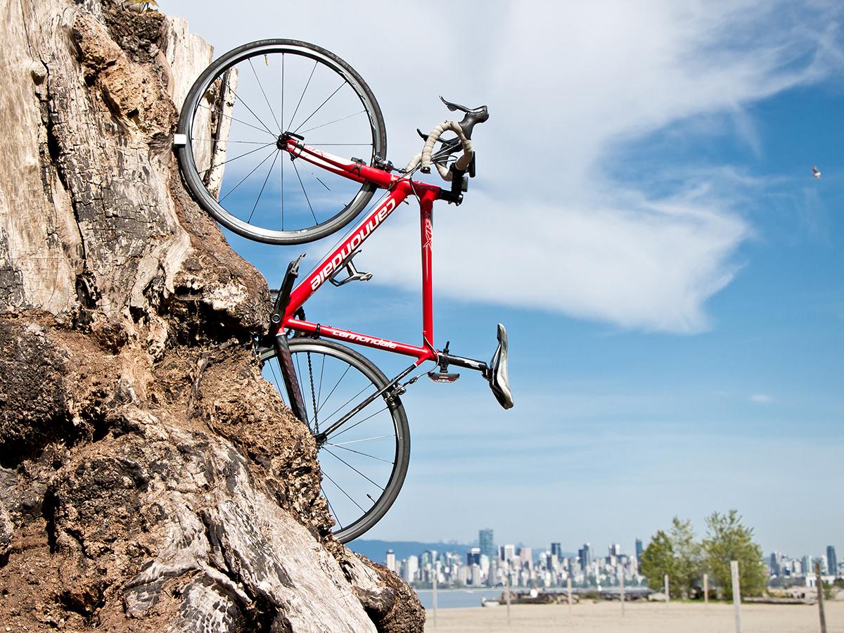 Le Clug, où comment accrocher son vélo partout !