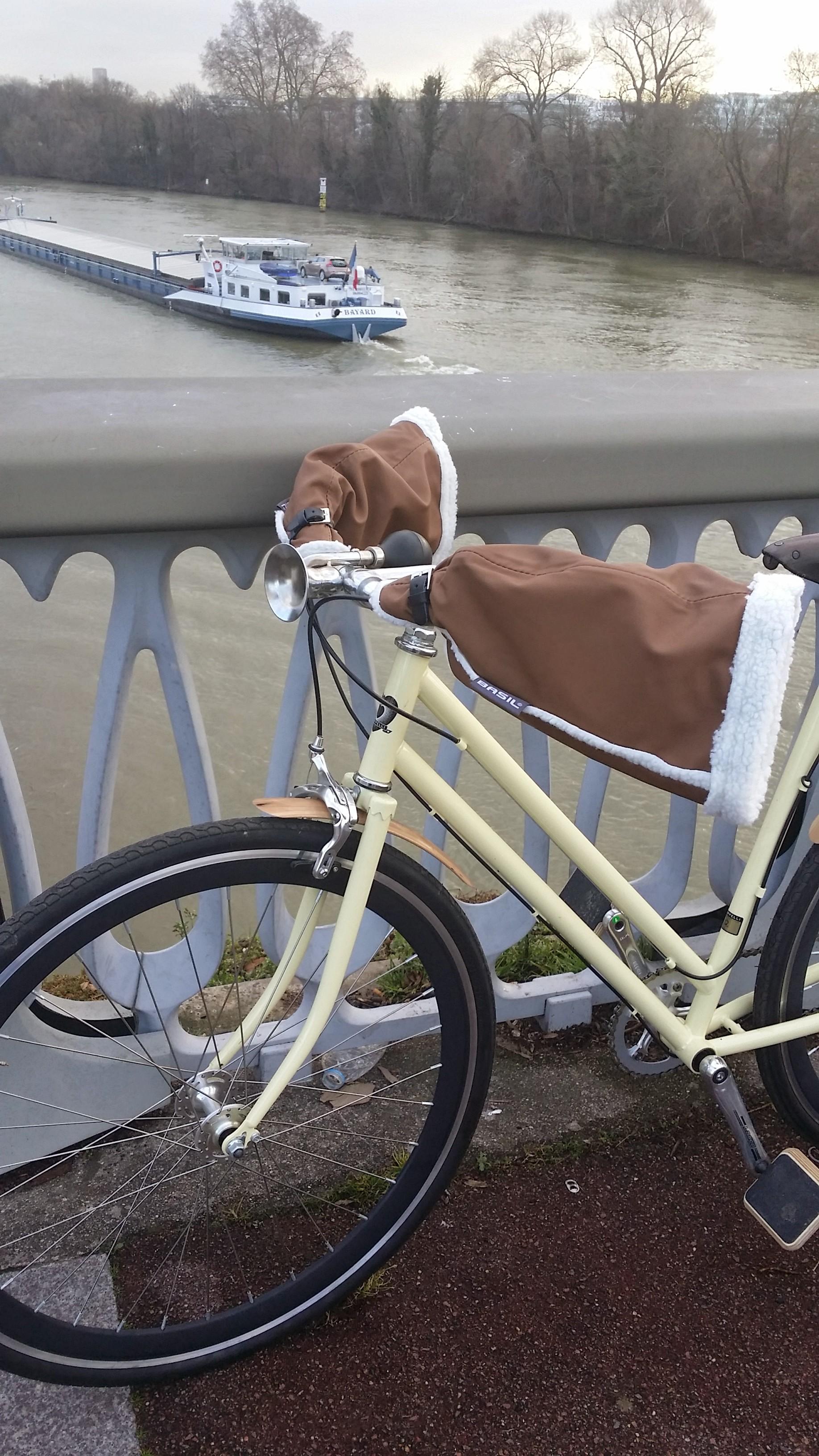 Manchon d'hiver Basil, pour votre guidon de vélo