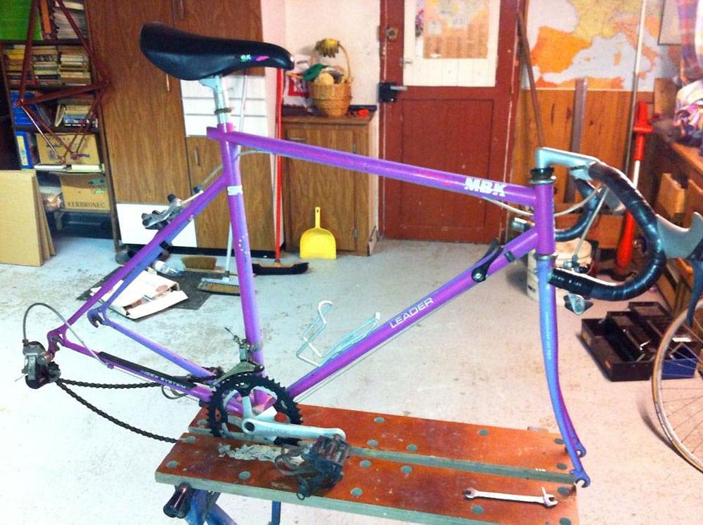 Quand un cadre MBK Racing devient un vélo pignon fixe personnalisé