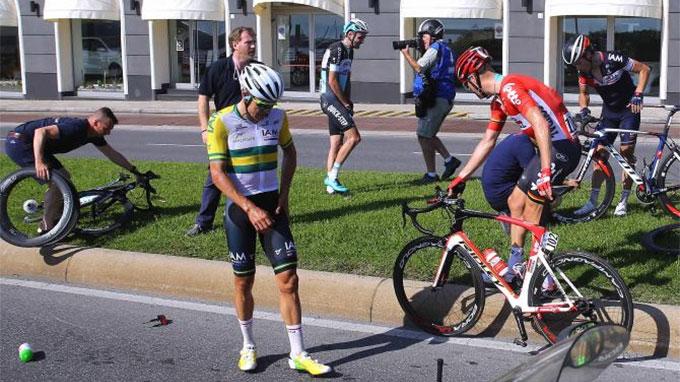 Gros accident sur le Giro à cause d'un fixie !