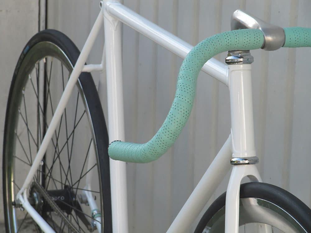 Montage d'un vélo singlespeed autour d'un cadre Duros