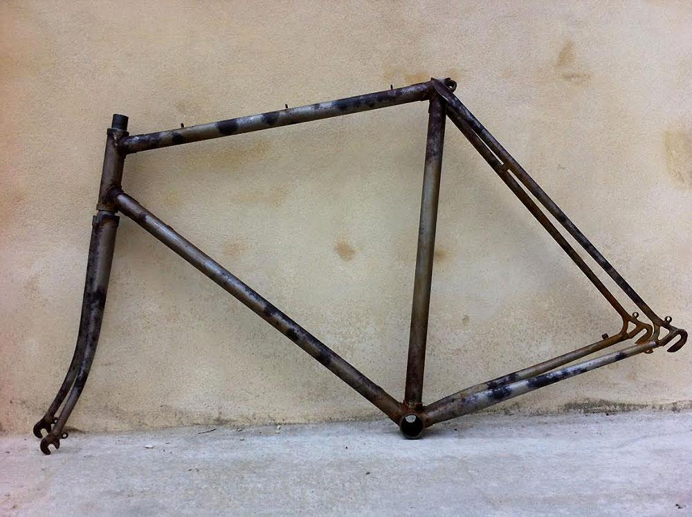 Vélo de course Aralar des années 80 devenu fixie