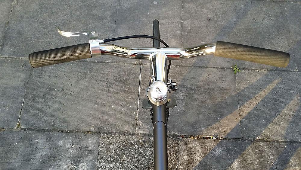 Nous avons testé le vélo Smog Metropolis Asfalt Matt