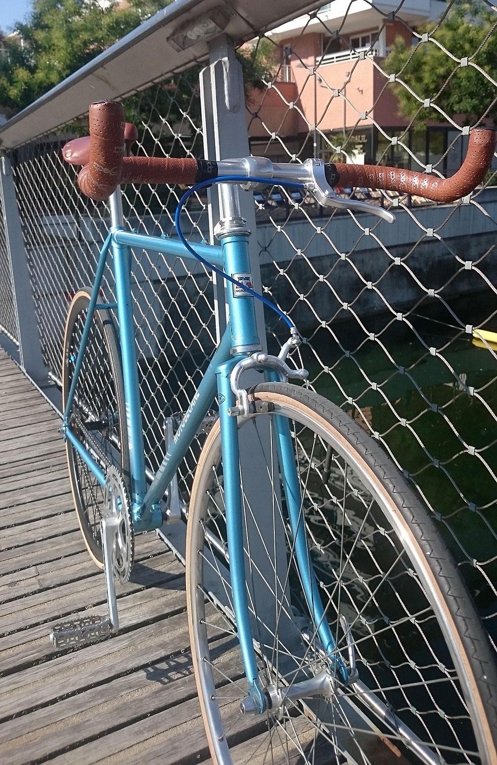 Vélo singlespeed Motobécane sur la base d'un ancien vélo de course