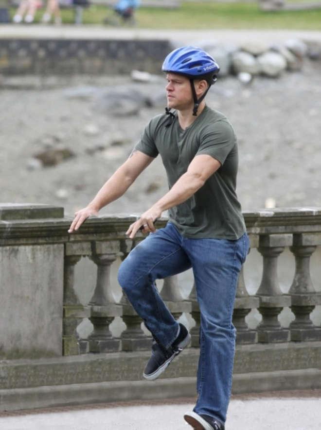 Les stars du cinéma sur leurs vélos invisibles avec Invisible Bicycles
