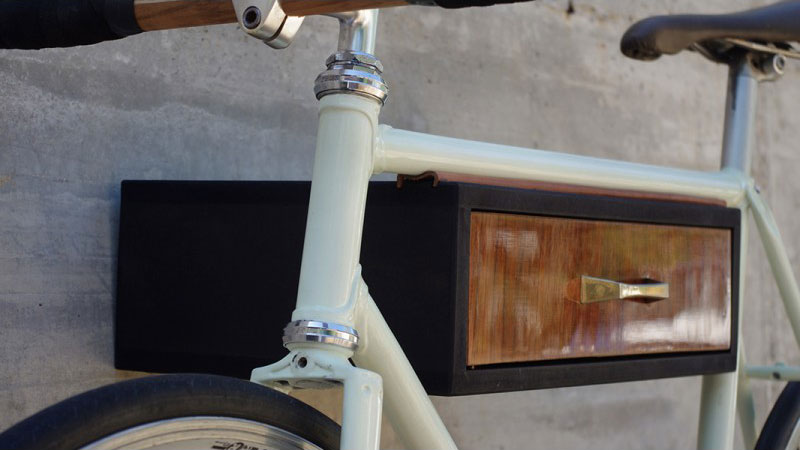 Wood Loops propose des supports de vélos muraux