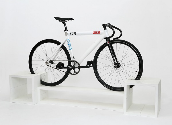 Du mobilier design moderne et un rack v los - Support velo appartement ...