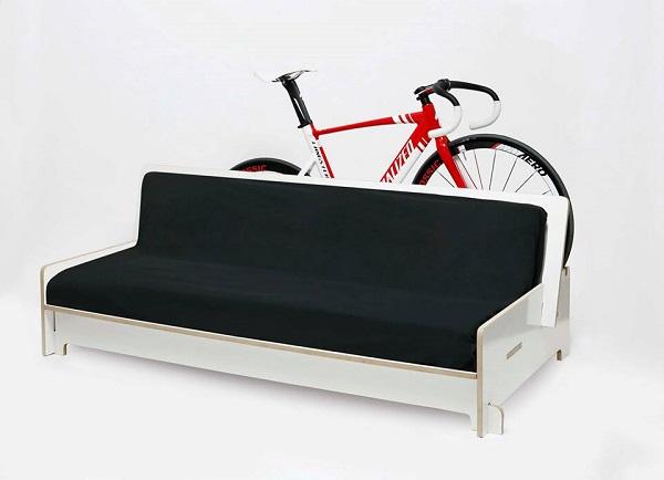 Du mobilier design moderne et un rack à vélos