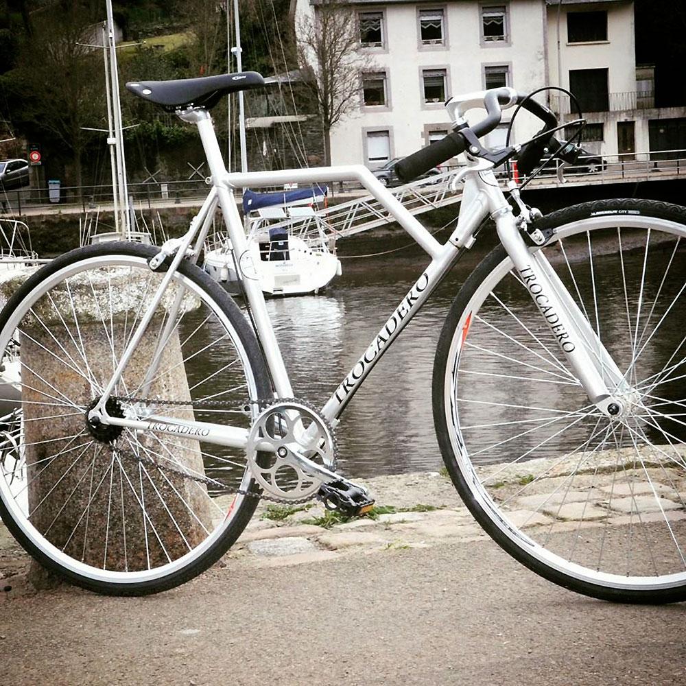 Trois entrepreneurs créent un vélo désarticulé, le Trocadero Fixie