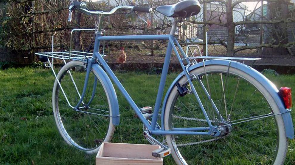 Restauration d'un vieux vélo de ville Motobécane